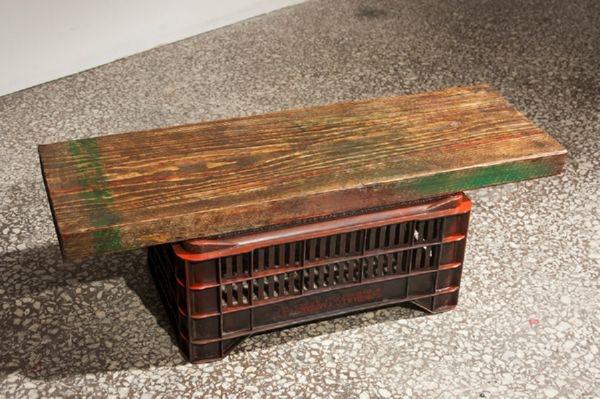 Ξύλινο ρετάλι από μαδέρι και πλαστικό καφάσι. 30 x 90 x 35εκ.